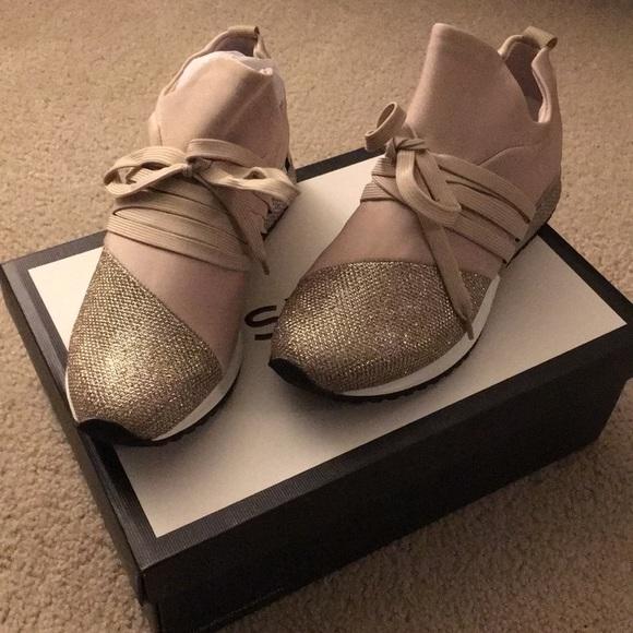 50661a8986aa7 7M Zorro Metallic Sneakers NWT